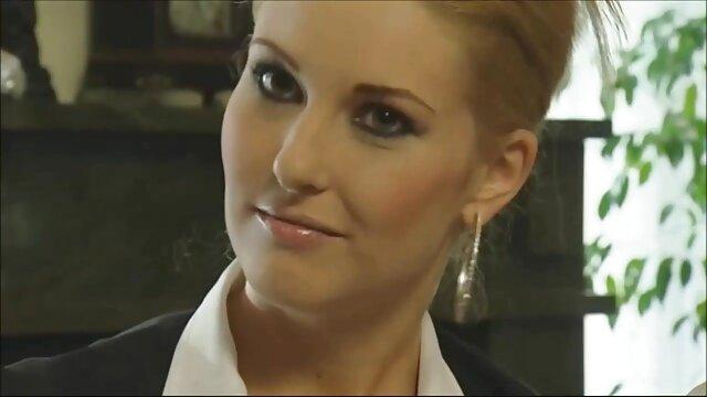 Blonde aux gros seins naturels en casting porno porno streaming hard