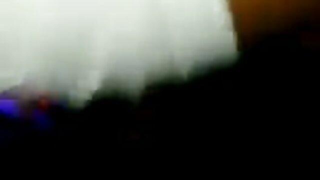 Bbw jouer dans la salle film x complet vf de bain
