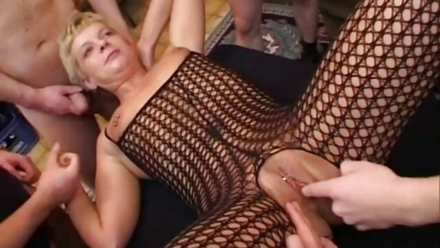 Jeune femme baisée par un bigfoot streaming porno clara morgane