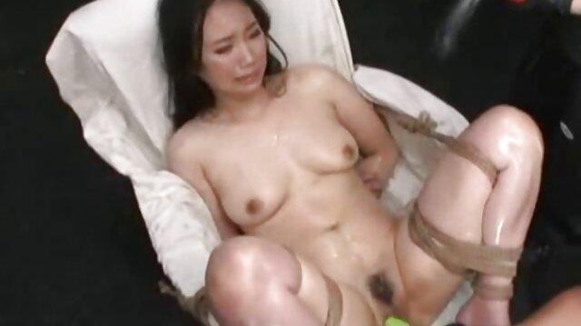Chaud poussin frappé film porno streaming complet gratuit dur et rapide