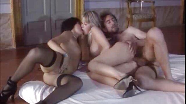 Sa copine infidèle mérite du sexe hard streaming x amateur français