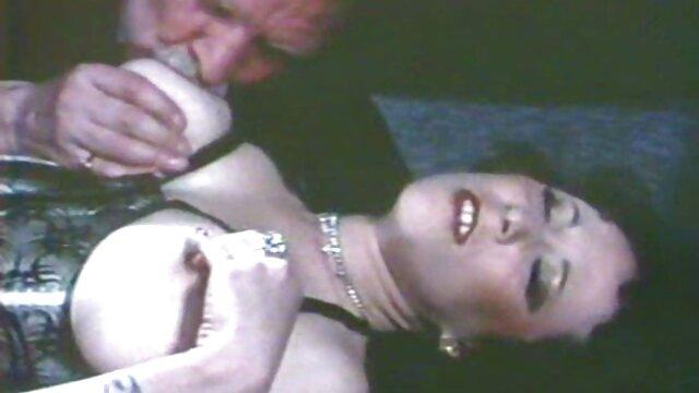 Salopes aux gros seins salopes film gratuit streaming porno françaises dans la salle de bain