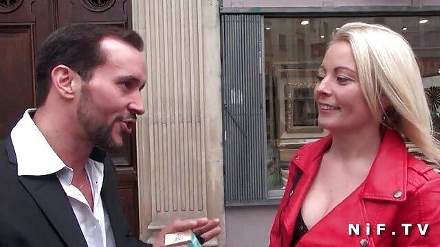Une femme blonde se film x gratuit en ligne fait défoncer la gorge et jouir
